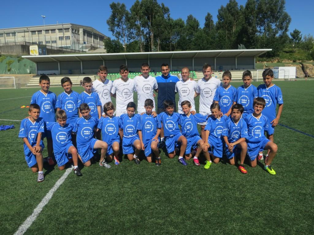 GUSTAVO LOPEZ  con uno de los equipos del campus